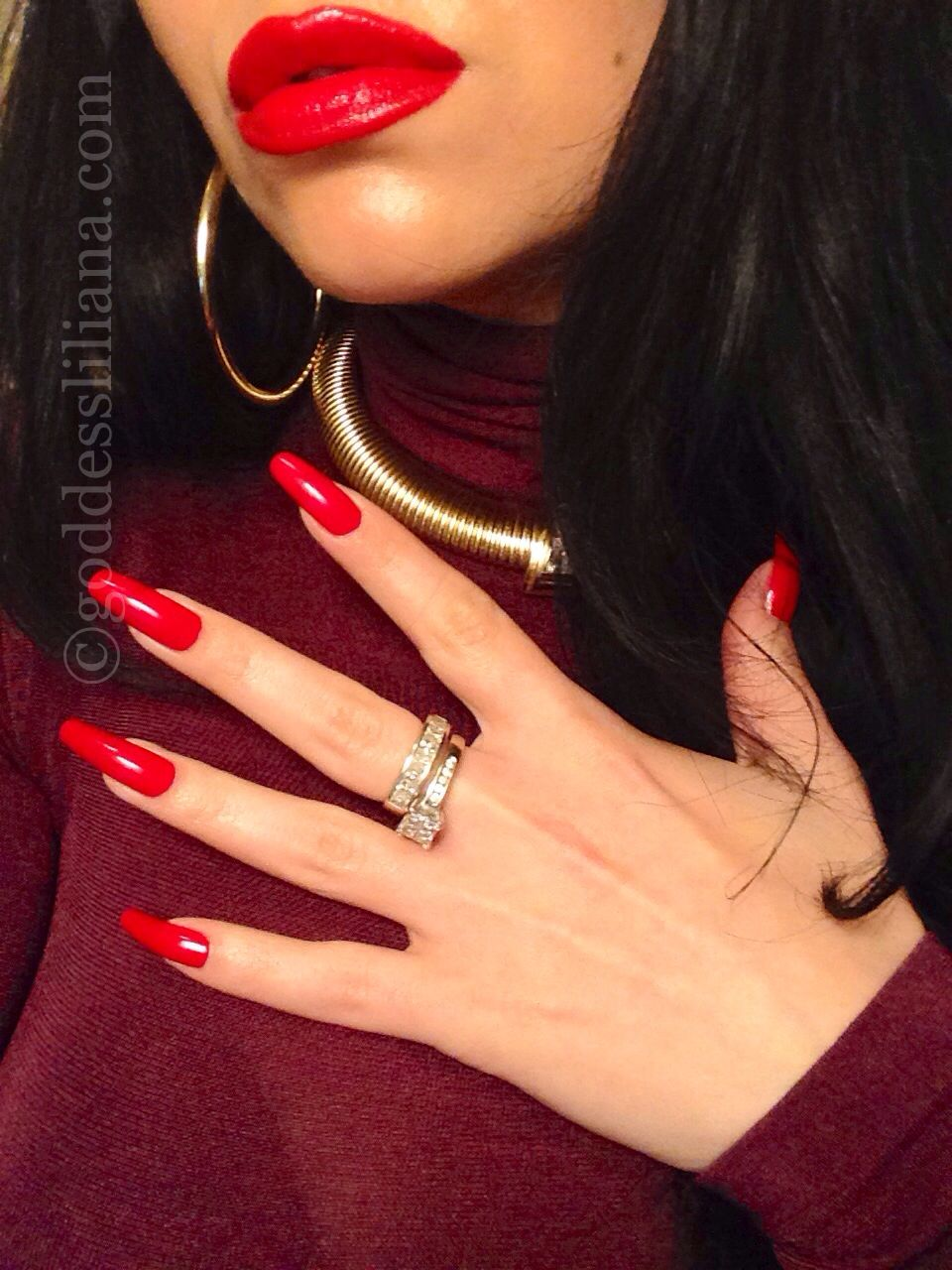 nails fetish red