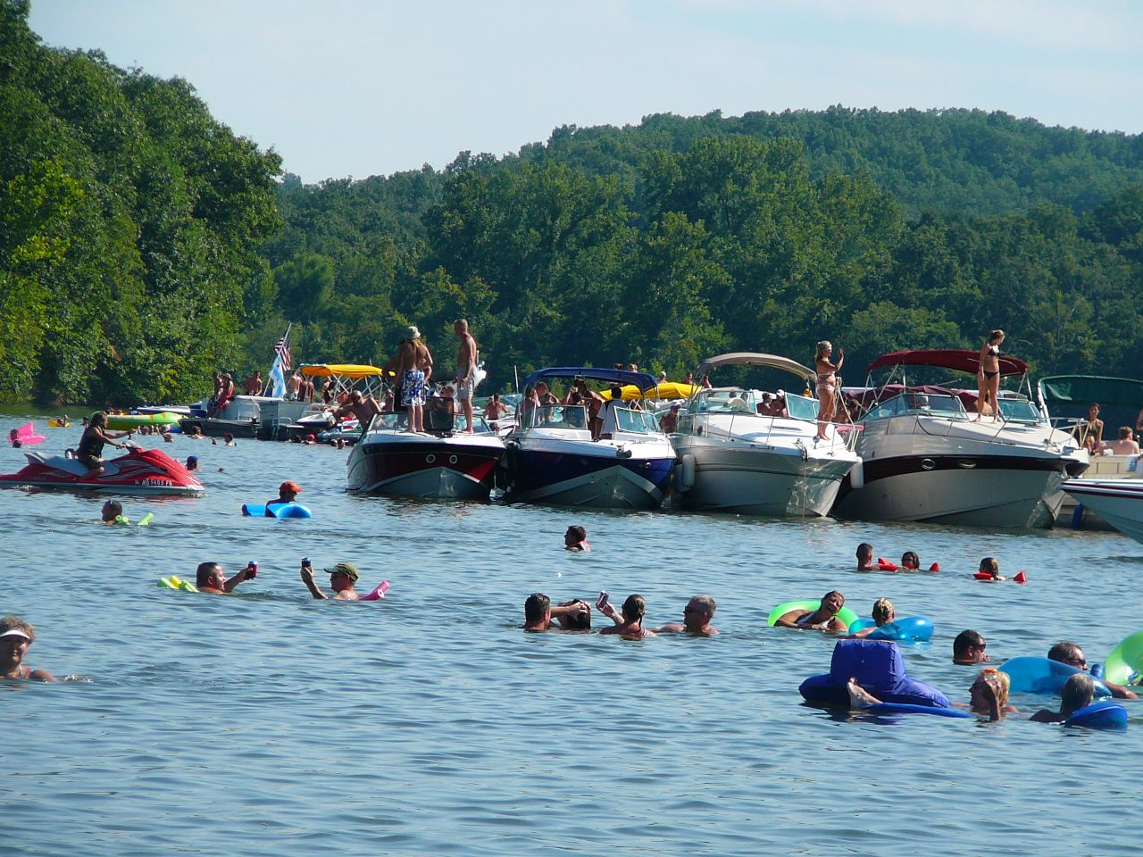 parties adult on lakes boat