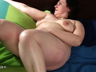 fat haired mom brown pussy