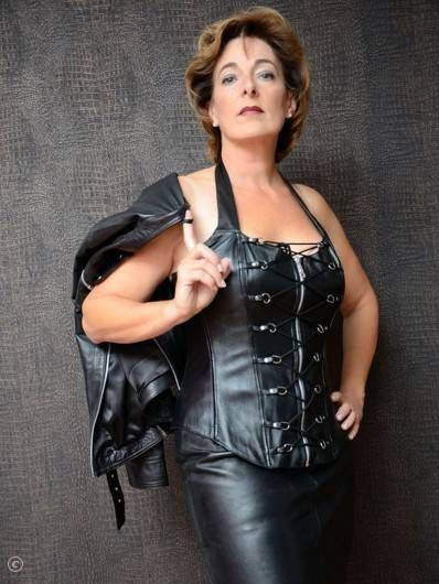 in mature corset busty