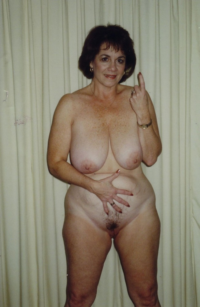 older nude moms