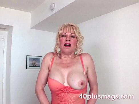 body milf hot housewife