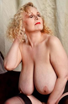 natural with women tits huge older