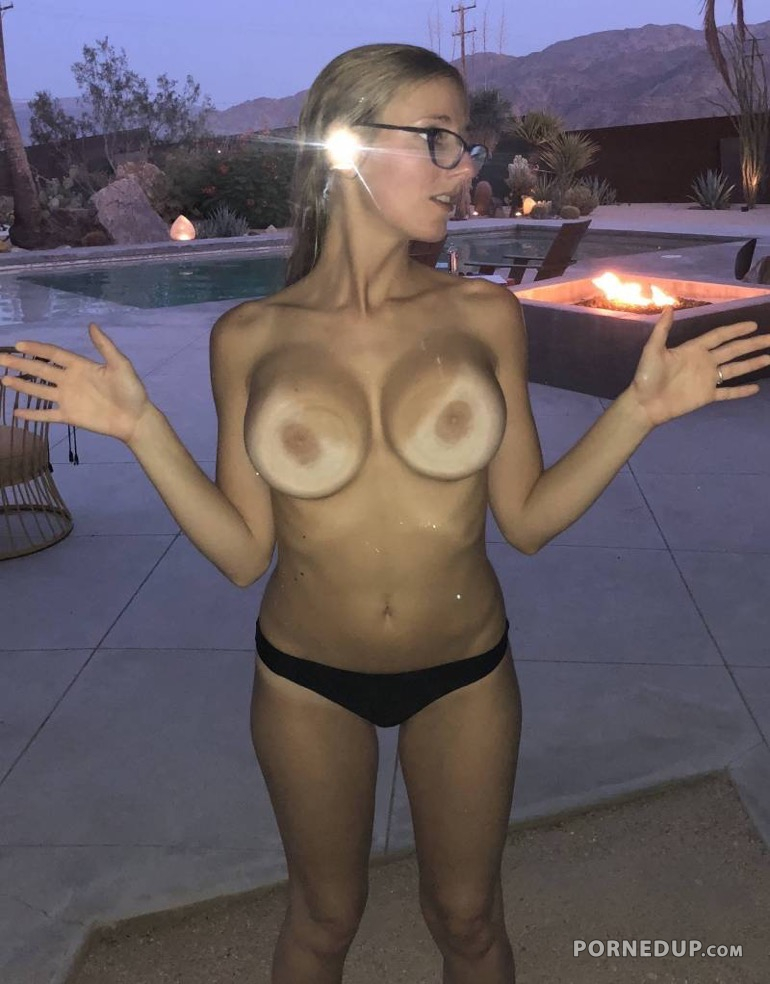 the in window tits