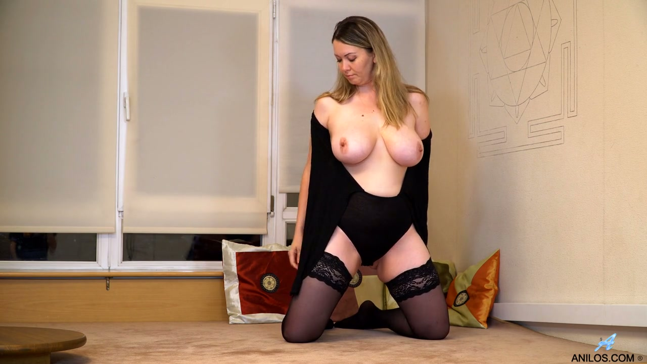 sexy milf gets fucked really